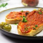 Pan con tomate with oven dried tomatoes
