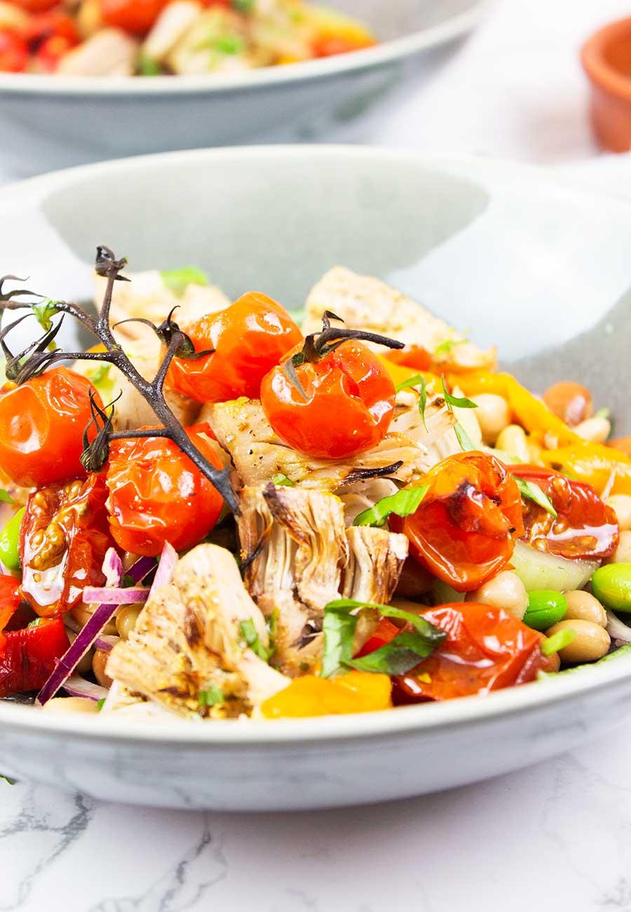 Mediterranean Bean salad with jackfruit